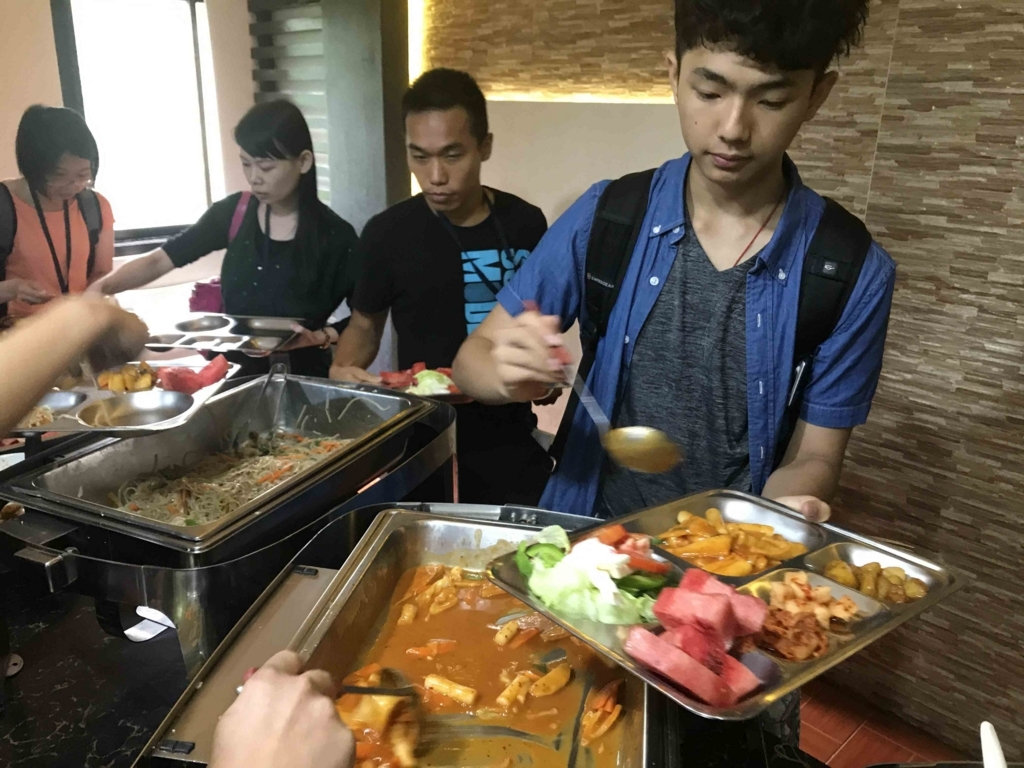 students-eating-buffet-meal